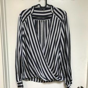 Vince Camuto Blouse Long Sleeve Silky Striped